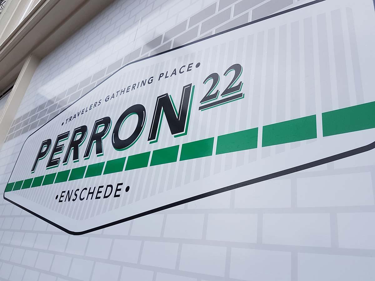 Tijdelijke raamstickers bij Perron22